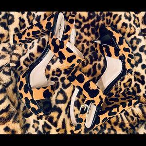 Quips Heels size 8.5! 🐆🐆 under Zara for exposer